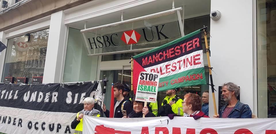 De nombreux anglais à Manchester ont défilé samedi en solidarité avec la Grande Marche du Retour à Gaza.2
