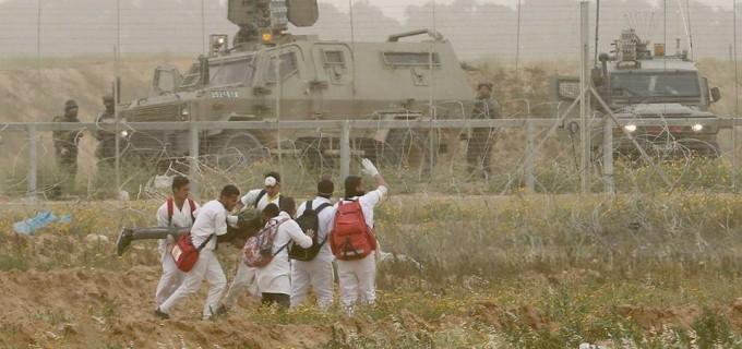 Des photos montrant la souffrance des travailleurs médicaux palestiniens étant des cibles faciles pour les balles israéliennes lors de la Grande Marche du Retour de Gaza