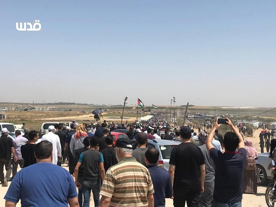 Des milliers de palestiniens se sont rendu aux frontières de la bande de Gaza pour réclamer leur droit de retourner dans leurs maisons1