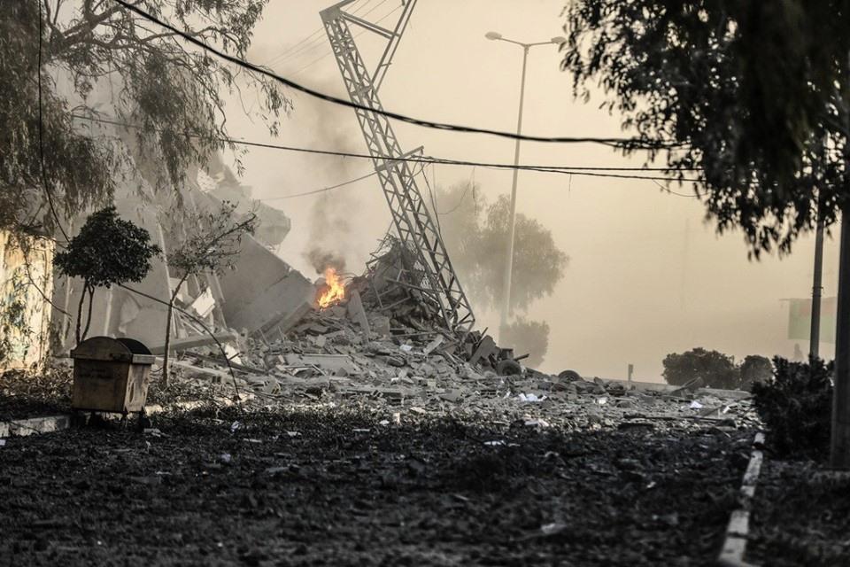 Horribles scènes de destruction laissées par les frappes aériennes israéliennes sur les bâtiments résidentiels à Gaza.1
