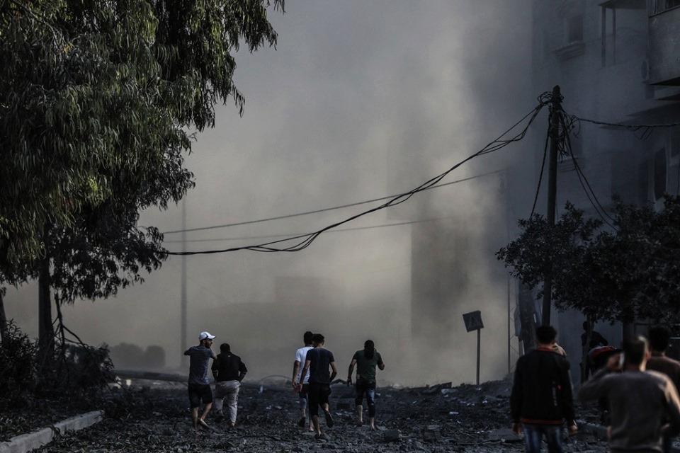 Horribles scènes de destruction laissées par les frappes aériennes israéliennes sur les bâtiments résidentiels à Gaza.3