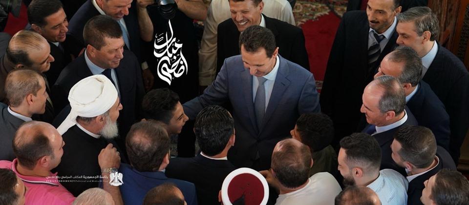 Le Président Al-Assad effectue la prière de l'Aïd Al-Adha à la mosquée Al-Affar à Damas.3