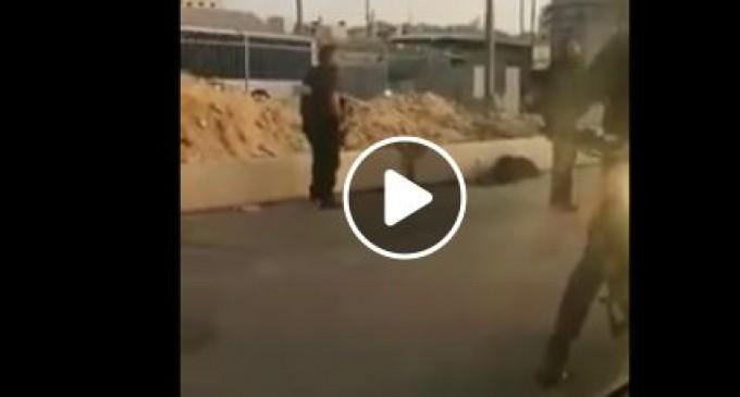 EN VIDÉO | Les forces israéliennes abattent une palestinienne au point de contrôle de Qalandya
