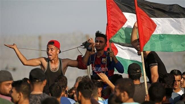 Les forces sionistes enragées attaquent des manifestants palestiniens à Gaza 49 blessés !!!