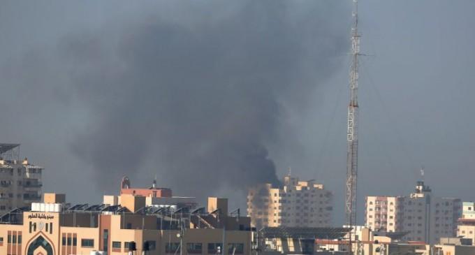 Les avions de combat du régime d'occupation israélienne lancent des frappes aériennes contre Gaza
