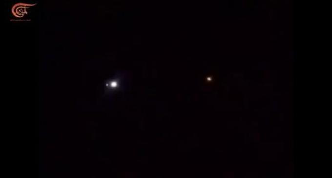 En vidéo : la chute des missiles iraniens sur les forces américaines à la base de Ain Assad