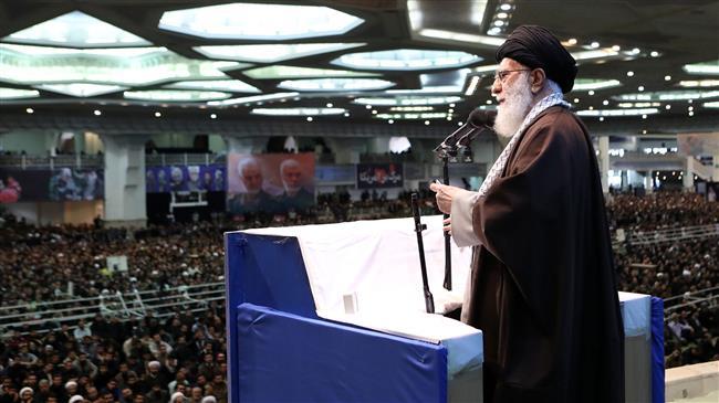 la prière du vendredi dirigée par le Guide suprême de la Révolution Islamique