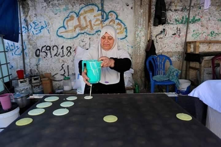 Voici Oum Eyad Salha, une palestinienne de 55 ans, de Deir El Balah dans la bande de Gaza2