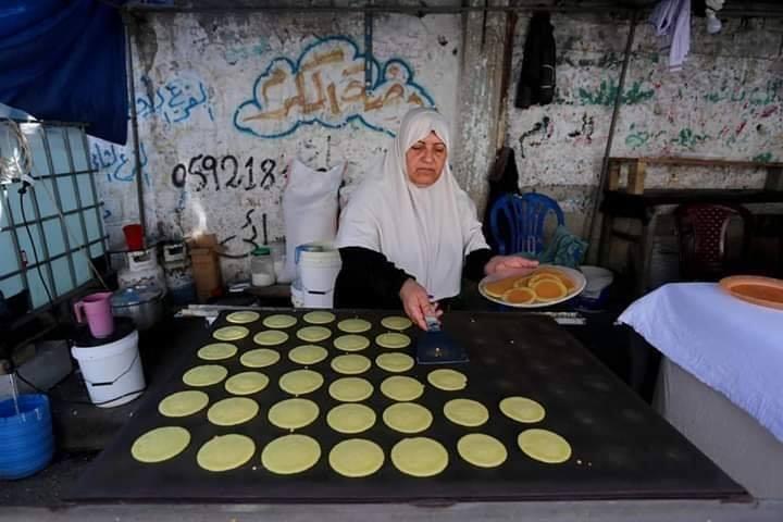 Voici Oum Eyad Salha, une palestinienne de 55 ans, de Deir El Balah dans la bande de Gaza3