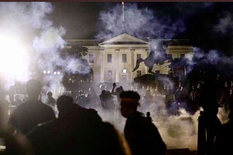 L'IMAGE DU JOUR La Maison Blanche attaquée, les USA au bord du chaos !