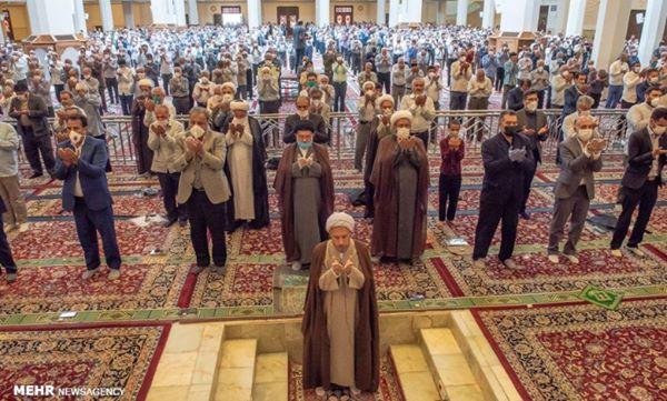 Prière du vendredi à Shiraz après 100 jours avec des protocoles de santé en place