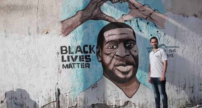 Une fresque de George Floyd a récemment été peinte par le peintre palestinien Ayman Alhossary sur la rue Al-Thawra (Révolution) de Gaza, solidaire des victimes du racisme et de la discrimination dans toutes les parties du monde.