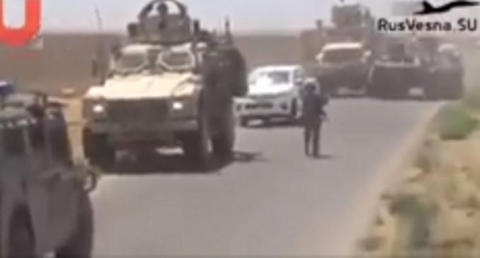 Un blindé russe assiège une patrouille américaine dans la campagne syrienne de Hassaké