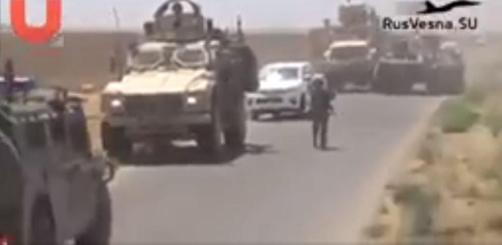 Un blindé russe assiège une patrouille américaine dans la campagne syrienne de Hassak