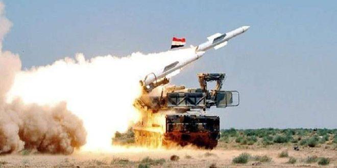 La DCA syrienne déjoue une agression israélienne contre la Région sud et abat un nombre de missiles