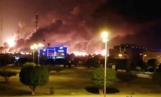 Un incendie éclate sur la plateforme de produits pétroliers du régime saoudien de Jizan après l'attaque d'un bateau yéménite
