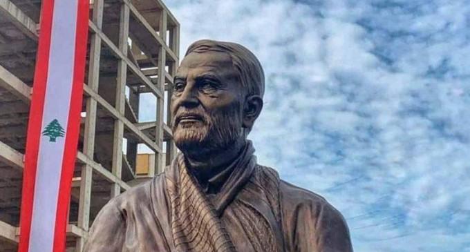 Une statue du général Suleimani dévoilée à Dahiyeh (Beyrouth)