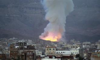 [VIDEO] Yémen: bombardement saoudien pendant l'appel a la prière!!!