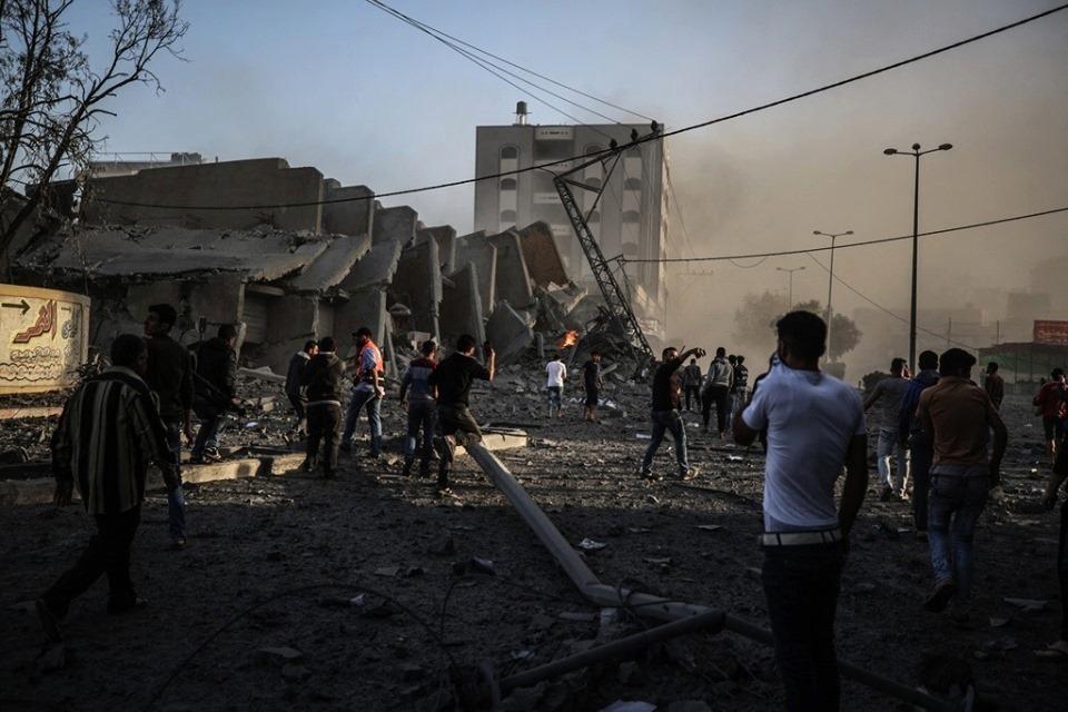 Horribles scènes de destruction laissées par les frappes aériennes israéliennes sur les bâtiments résidentiels à Gaza.4