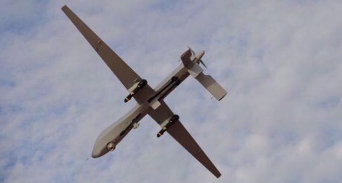 L'armée yéménite frappe l'aéroport saoudien lors d'une attaque de drone en représailles