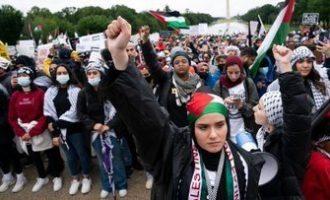 Manifestations massives pour Gaza et la Palestine au Mémorial de Lincoln à Washington.